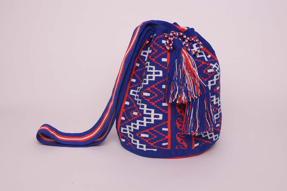Mochila Wayuu bleu blanc rouge