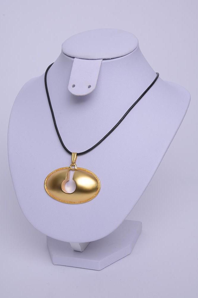 Collier précolombien quimbaya