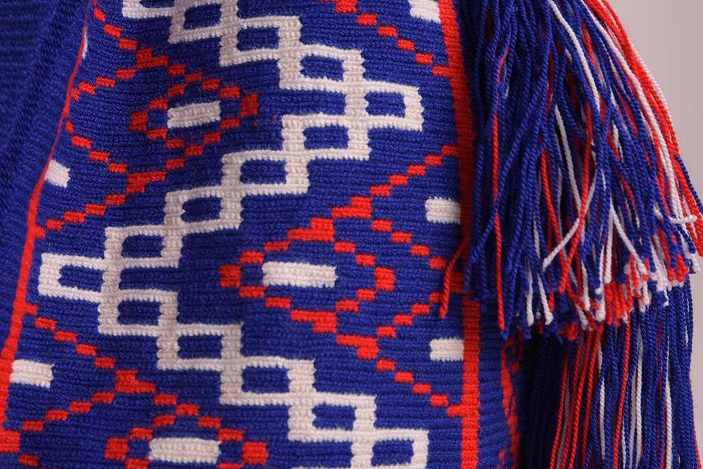 Détail Sac Mochila colombien Wayuu Bleu-Blanc-Rouge