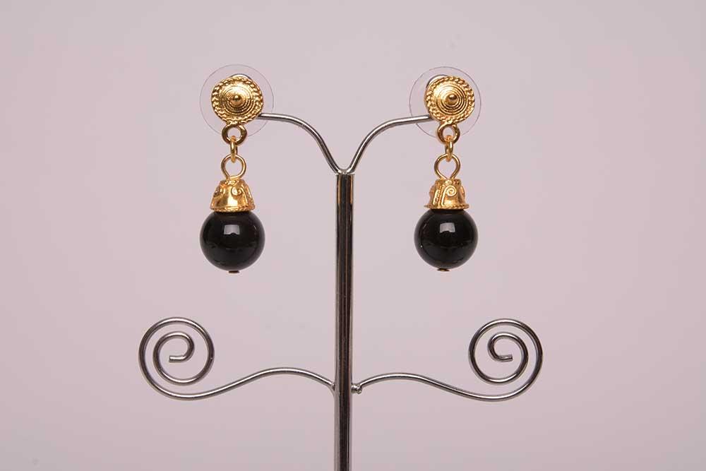 Boucles d'oreilles ethniques onyx plaqué or