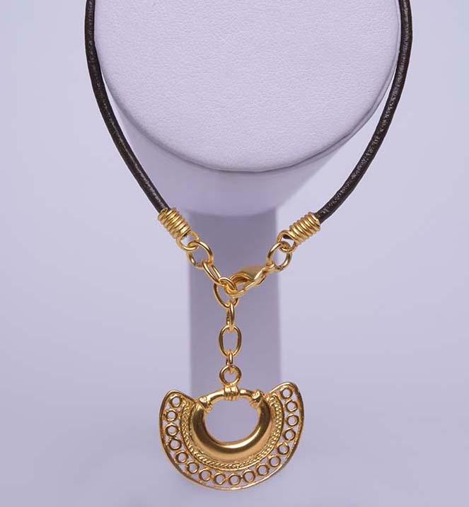 Bracelet ethnique Tairona – plaqué or et cuir