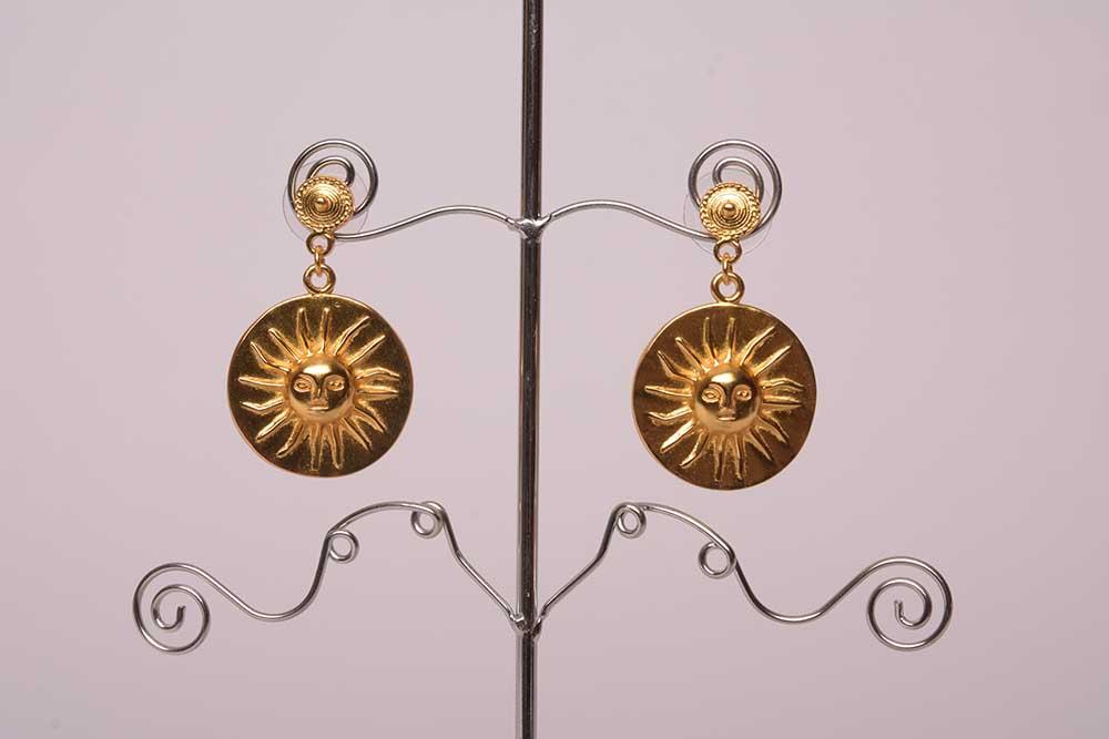 Boucles d'oreilles ethniques de Colombie plaqué or en forme de Soleil