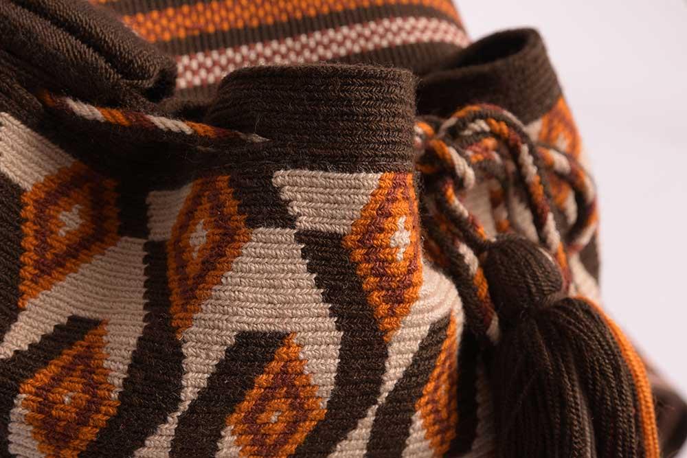 Détail sac ethnique Mochila colombien Wayuu à motif