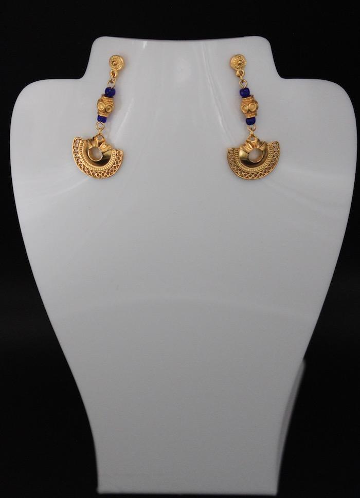 Boucles d'oreilles ethniques pendantes longues Sinu plaqué or perles bleues