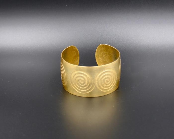 Bracelet Ethnique Pictogramme spirale – plaqué or